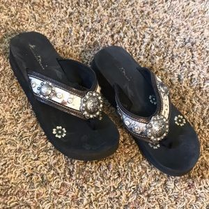 Montana West Flip Flops, size 9